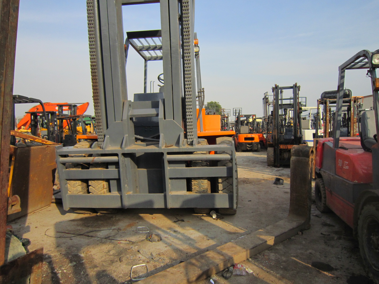 Used TCM Fd200 20ton Forklift Second Hand Cheap Tcm Fd200/100/40/30/20 Forklifts in Bulk Wholesale