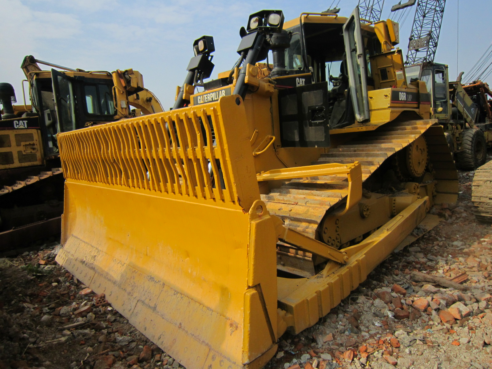 EXCELLENT Japan Used Caterpillar Dozer D6R CAT Bulldozer for Sale in Shanghai